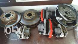 Infiniti g35, brake discs, pads and calipers in great condition