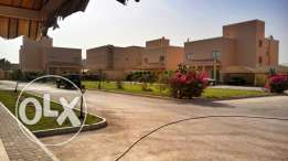For Rent 3 bedroom Villa in a compound located in Saar.