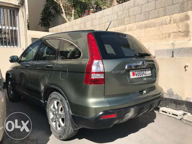 Exceptionally well agent maintained fully auto honda crv urgent sale