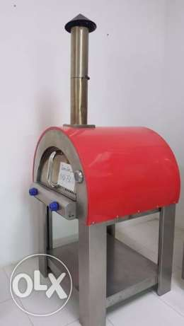 Dome Pizza oven Gas Operated with exhaust pipe on top Dim. 82x73x120cm