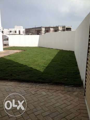 New Qalali: 4 bedrooms semi furnished new villa for rent