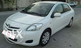 Toyota yaris 2007 accident free excellent car passing ins one year .