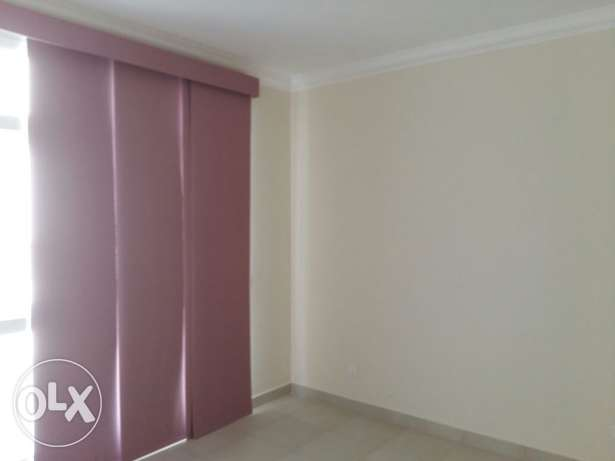 Super 3 BR flat/ Buhair/ Riffa3/ Semi Furnished with pool & gym