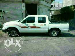 Nissan picp up model 2005