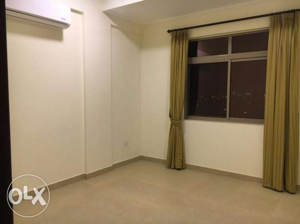 3 Bedrooms Semi Furnished Flat For Rent New HIDD عوادية -  2