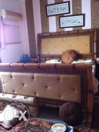 huge king size bed set in just a throw away price.