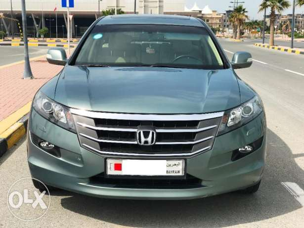 Honda Accord crosstour low kms agent maintained like new car