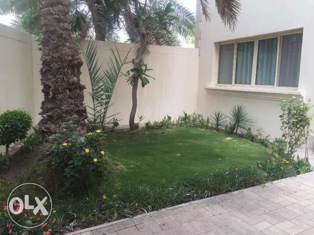 4 Bedrooms Semi Furnished Apartment in Mahooz