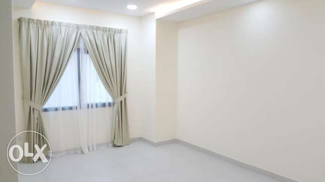 New Hidd 3 BHK flat / brand new / Balcony