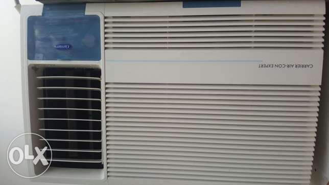Carrier new model window ac 2 tob good condition good cooling