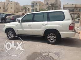 Lexus LX470 model 2004 very good condition and is also clean no fault