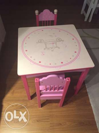 Child table with two chairs