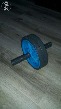 AB roller. AB wheel. For exercise, strength in arms, chest & shoulder