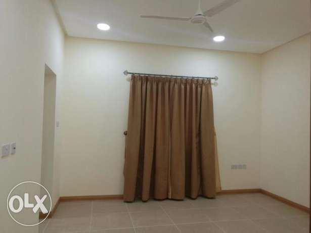 BRAND NEW BLDG-SEMI FURNISHED-2bedroom,2bath,hall,lift,kitchen,parking