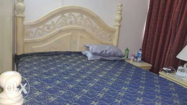 White bed room set for sale