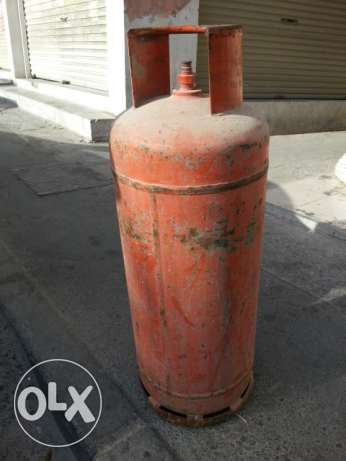 Gas Cylinder with Full Gas and New Regulator. ( Manazil Gas ) 28 BD .