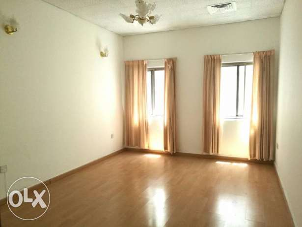 SEMI FURNISHED - CENT AC 2 bedroom, 2 bathroom, hall, lift, kitchen