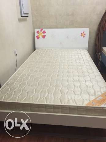 Bed set for girls in excellent condition