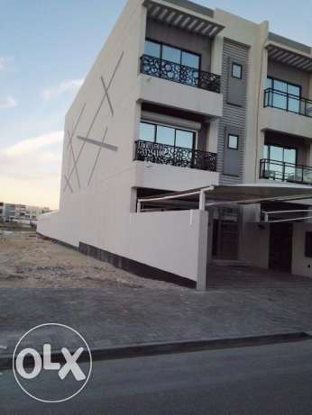 Fully furnished 2 storey villa for sale in Amwaj