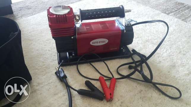 Pressure gage and Tyre air pump never used
