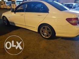 Mercedes c350 for sale only 4600 bd