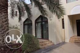 4 Bedroom great semi furnished villa in Hamala
