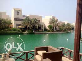 Stunning 4 BedRoom villa in Amwaj with Beach Access