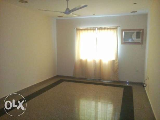 SEMI FURNISHED - 3 bedroom, 3 bathroom, hall, lift, kitchen, parking