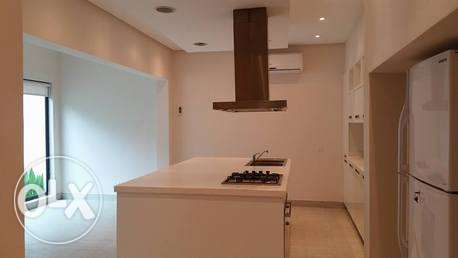 modern semi furnished villa with private pool جانبية -  2