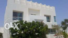 Modern 4 BR villa in Janabiya, close Saudi causeway