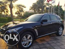 Infiniti QX70 For Sale/ Like New/2014 price negociable