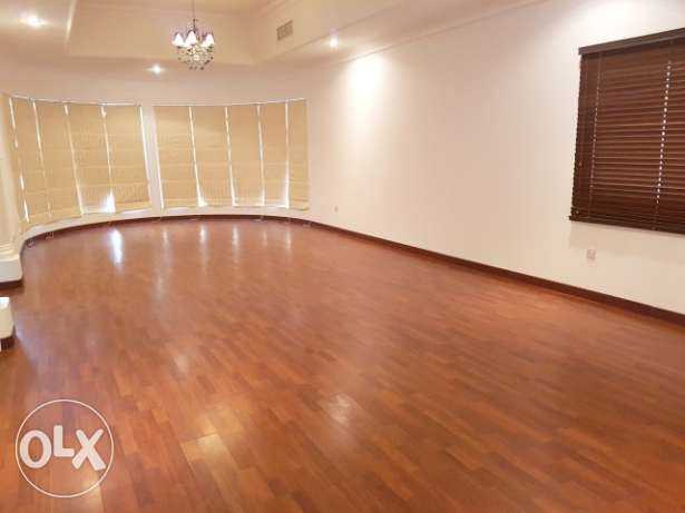 (Ref No: RFM14) Semi furnished villa for rent at Riffa