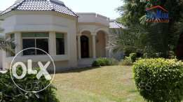 Luxury 4 Bedroom single storey Semi Villa with Private Garden