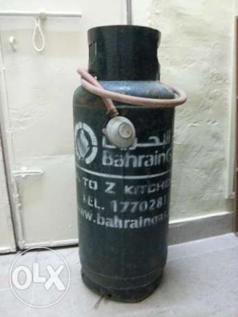 Bahrain Gas Cylinder with full gas,Regulator and pipe.35 BD fixex rate