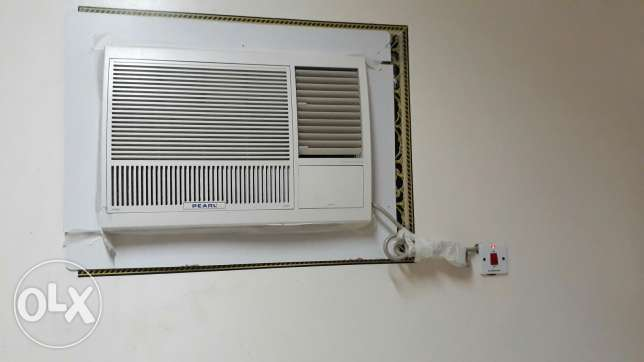 Pearl 2 ton window ac only 3 month use and 4 year 6 month waranty