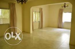 5 Bedrooms Compound Villa near British Club