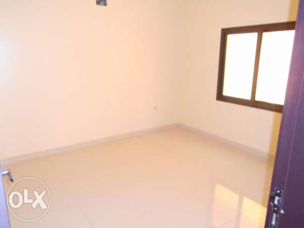 2 bedr unfurnished Apartment in Tubli