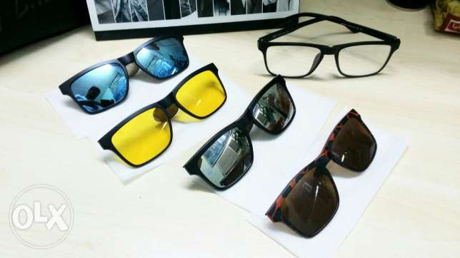 Interchangeable Glasses