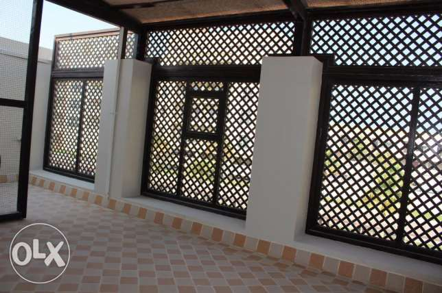 Fabulous 3 Storey Villa for sale in Amwaj with amazing sea view جزر امواج  -  3