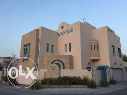 4 Bedrooms plus maids room villa for rent in aali area