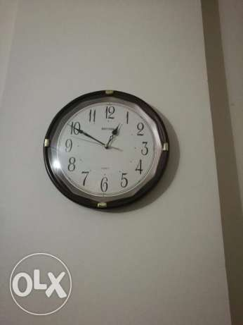 wall clock 2 pieces (9 BHD)