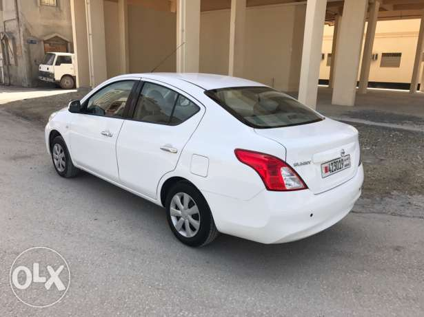 Nissan Sunny 2012 middle option