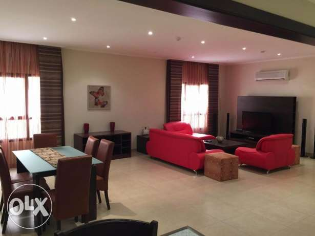 Fabulous 2 bedroom flat for rent in Busaiteen البسيتين -  2