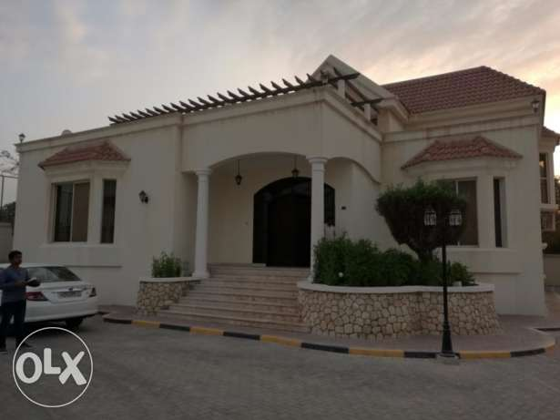 Elegant 4 bedroom fully furnished Villa for rent at Saar