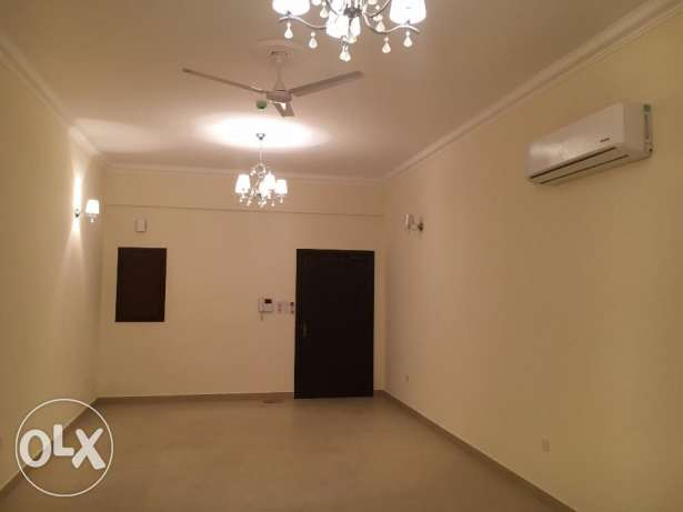 3 Bedrooms Semi Furnished Flat For Rent New HIDD عوادية -  1
