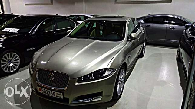 Jaguar XF 2015 warranty to 11/2019 only 20000 Km