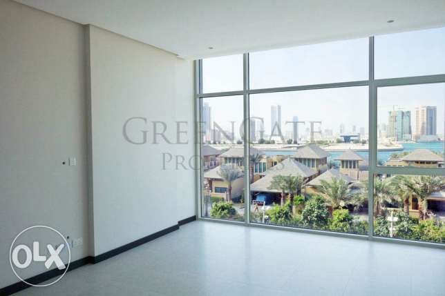 Luxury Semi-furnished Apartment in Reef!