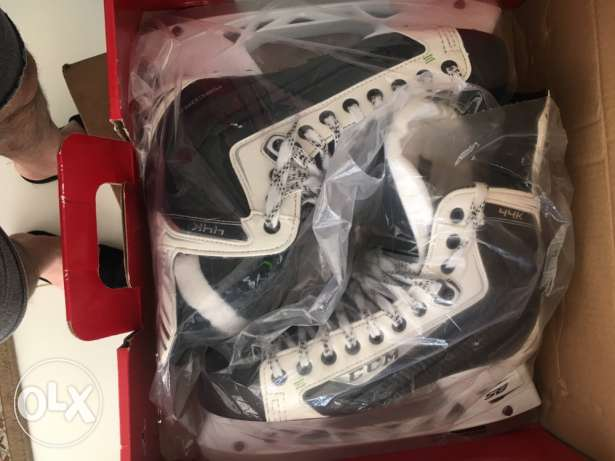 CCM hockey ice skating shoes NEW size 45 UK 10 D