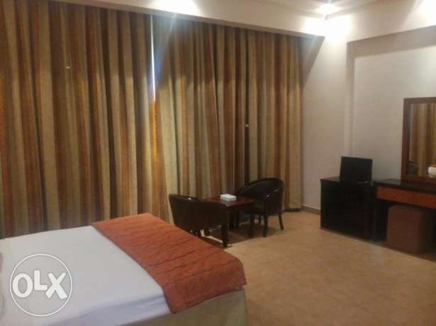 FULLY FURNISHED - 2 bed,2 bath,hall,kitchen,lift,pool,gym