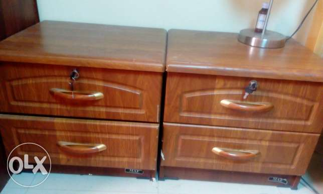 Table top with drawers - 3 nos